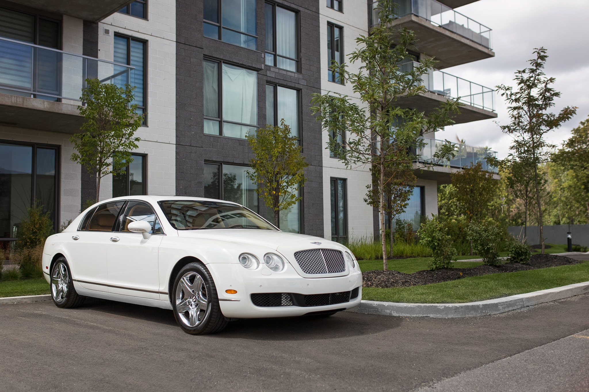 Bentley Continental Flying Spur White Mtlto